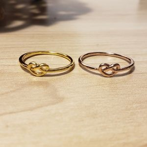Love Knot Style midi rings